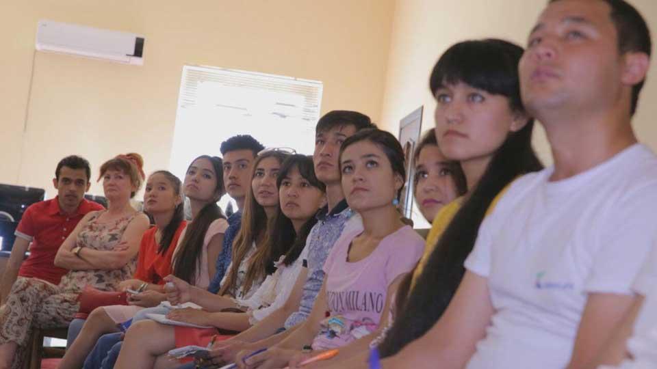 Молодые узбекские журналисты разбили лагерь в Самарканде