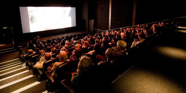 Азербайджанские министры решили, что реклама мешает смотреть кино
