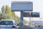 Мэр Бишкека поручил демонтировать рекламные щиты – управление отчиталось