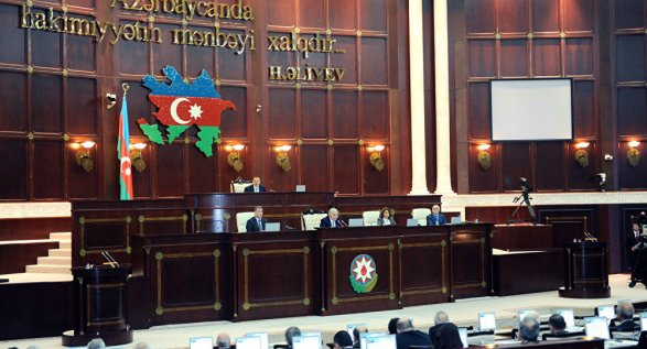 В Азербайджане меняются правила размещения наружной рекламы и ее оплаты