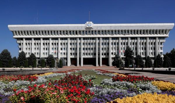 Кыргызский закон о рекламе изменят