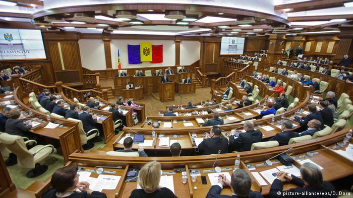 Поправки в молдавский Кодекс о телевидении и радио обсуждали пять часов