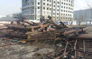 Массовый демонтаж рекламных конструкций в Алмате вызвал возмущение их владельцев
