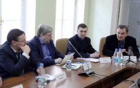 В борьбе с «рекламным мусором» в Петербурге обратились к опыту Петроградского района