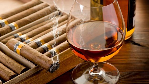 Рекламу алкоголя и табака могут лишить исторических персонажей