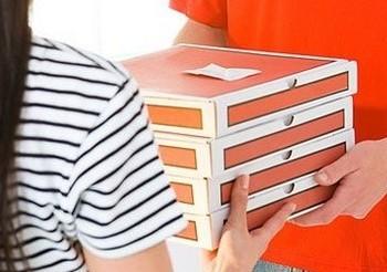 Среди нарушителей закона при рекламе дистанционного способа продажи товаров и их доставки появился «итальянский след»: Mafia Pizza, «МаМа миа»...