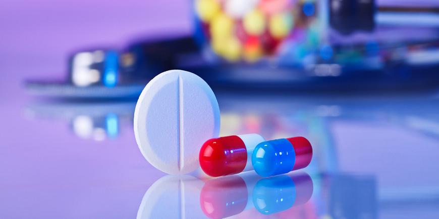 Реклама лекарственного препарата не должна содержать гарантию безопасности и эффективности