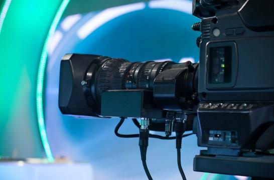 Эксперты: кыргызские телеканалы занимаются пиратством, а рекламного «пирога» на всех не хватает