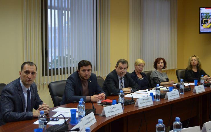 Инициативе нижегородской администрации о запрете рекламы на общественном транспорте сказали «нет»